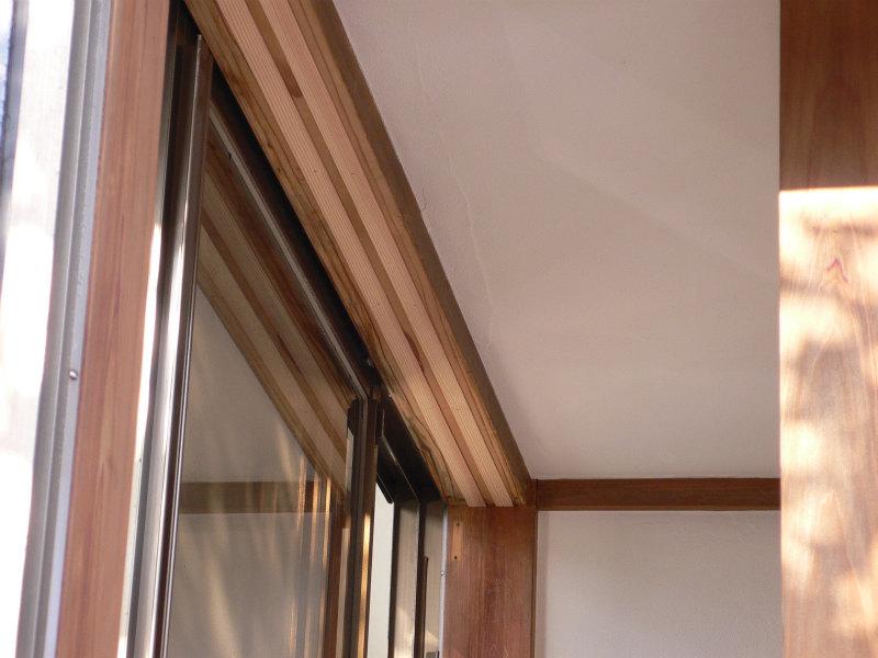 内窓設置のため埋め木