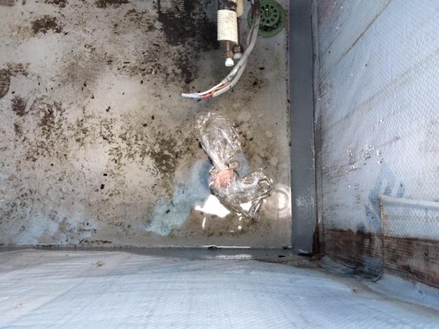 ベランダ漏水 水張り1